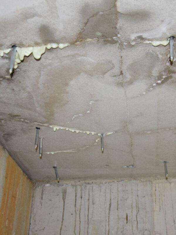 Resina idroreattiva DFS 5000 Green blocca le infiltrazioni